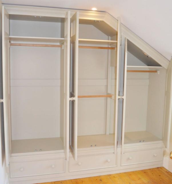 armadio in legno su misura Roma ESCAPE='HTML'