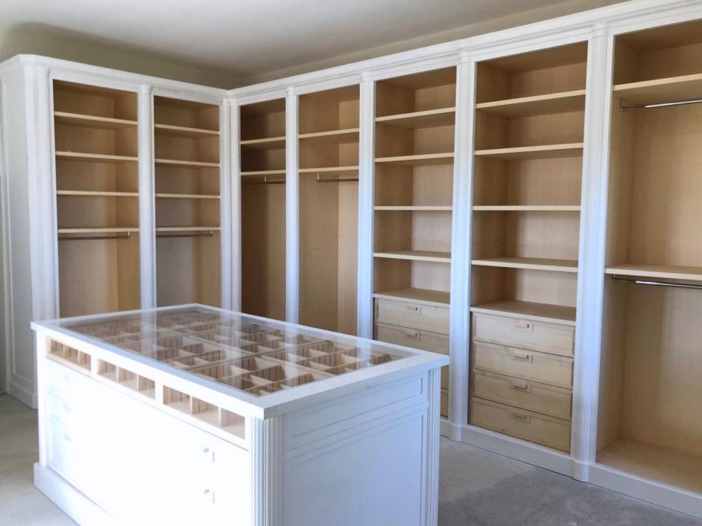 armadio aperto per stanza armadi ESCAPE='HTML'