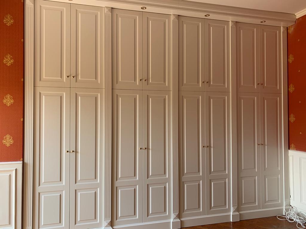 Armadio classico bianco a muro ESCAPE='HTML'