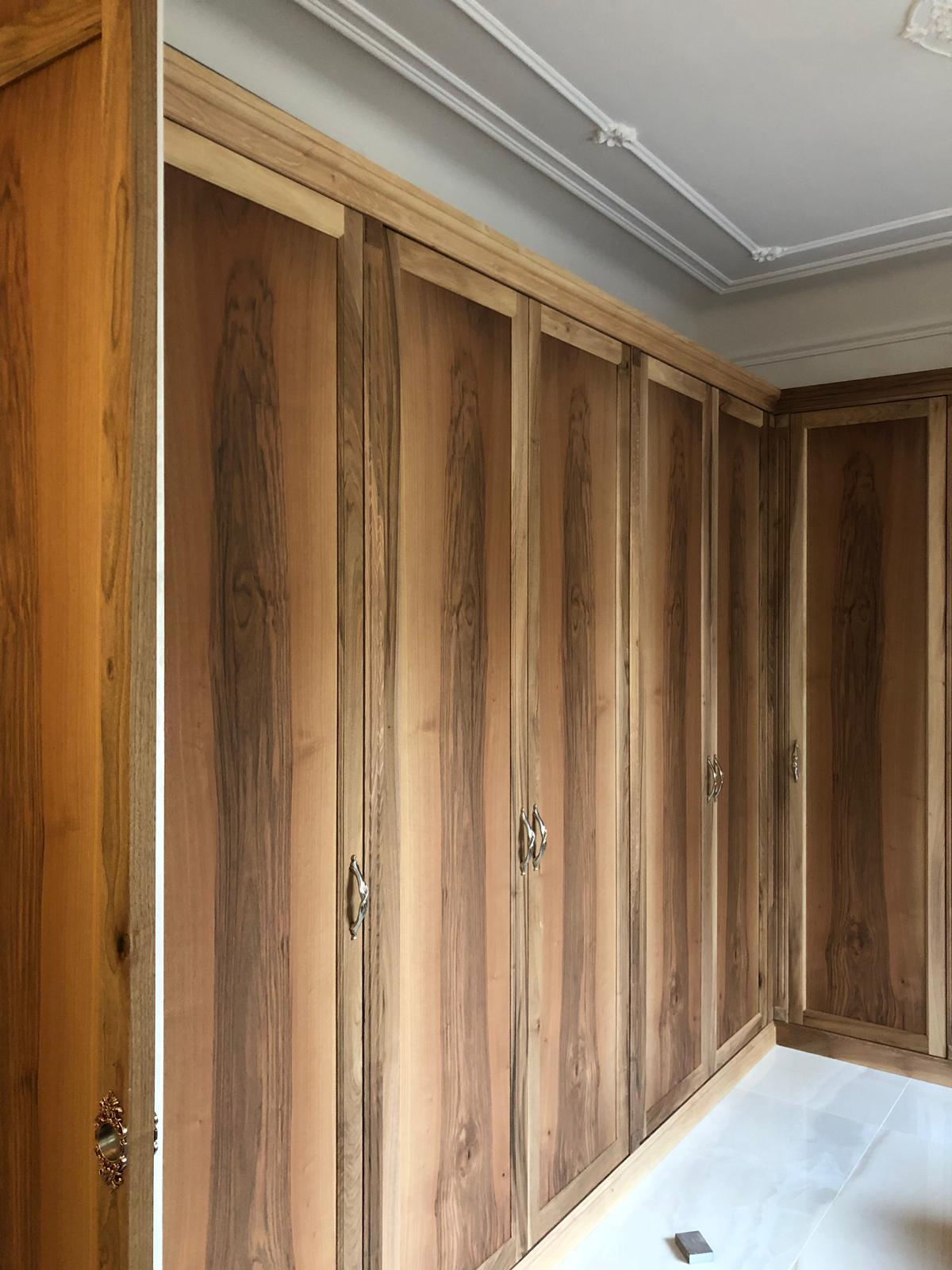 armadi in legno su misura