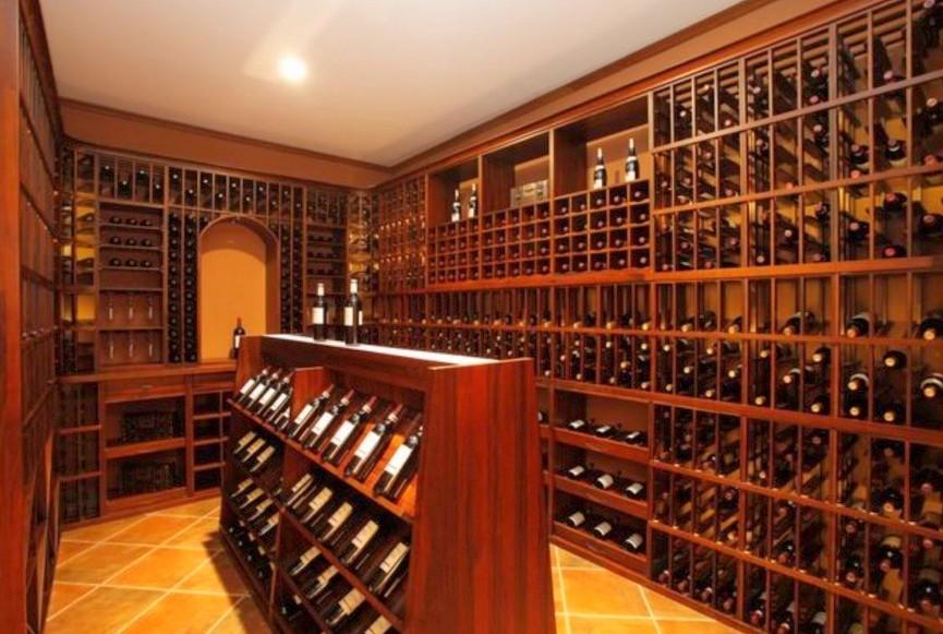 Arredamento cantina privata bologna falegnameria bologna for Arredamento cantina vino
