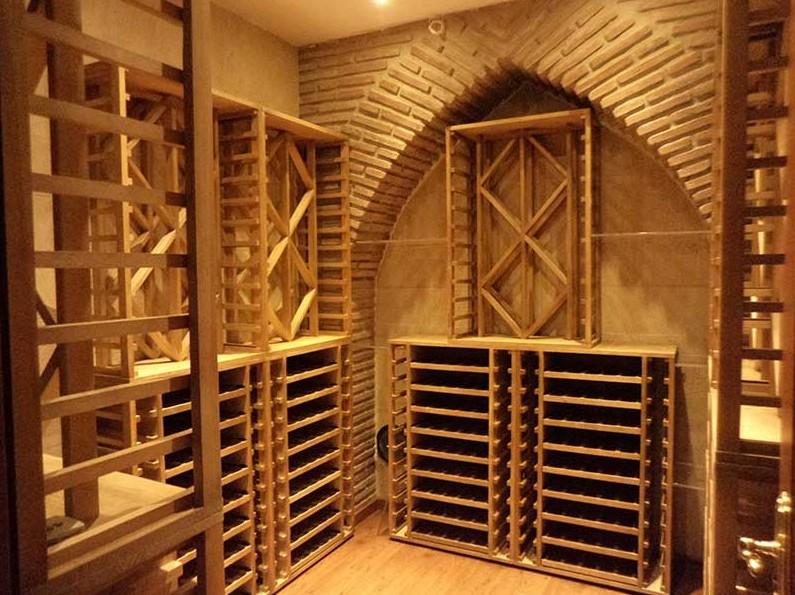 Falegnamerie artigianali arredamento cantine for Arredamento cantina