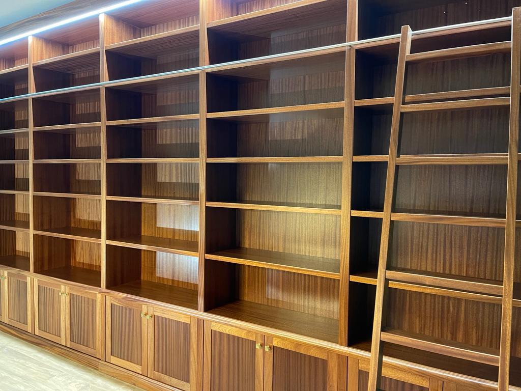 librerie in legno di mogano