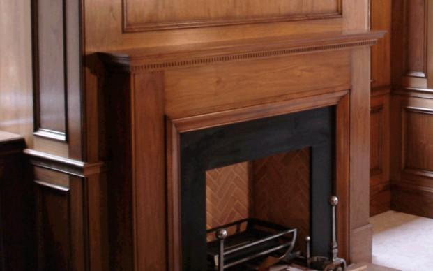 boiserie caminetto in legno milano