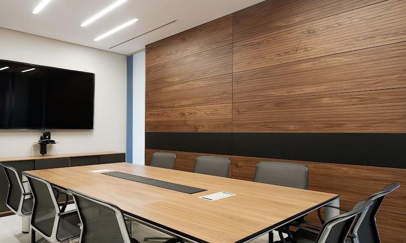 boiserie sala riunioni in legno milano