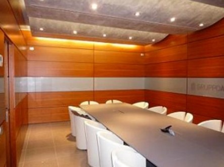 boiserie moderne in legno sala riunioni