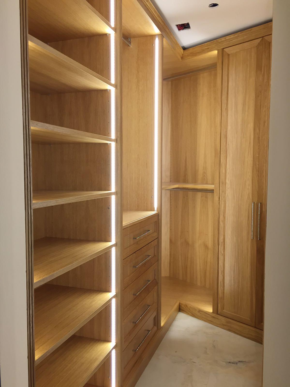 cabine armadio in legno di rovere ESCAPE='HTML'