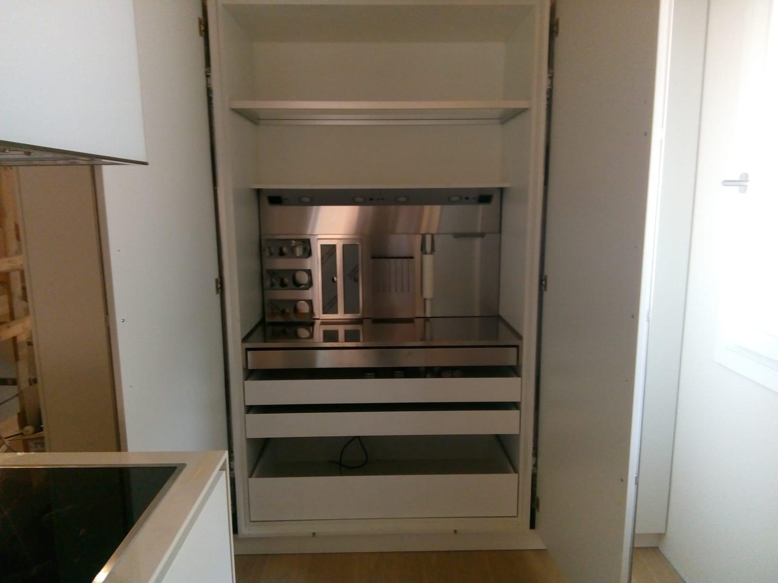 cucine moderne su misura bianche ESCAPE='HTML'