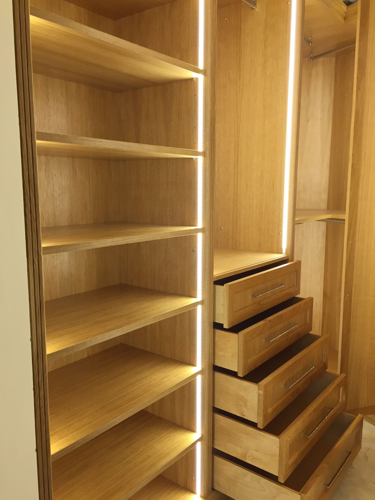 cabine armadio in legno su misura