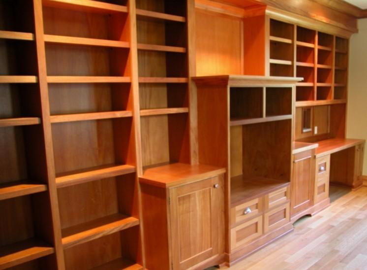 Falegnameria librerie in legno su misura