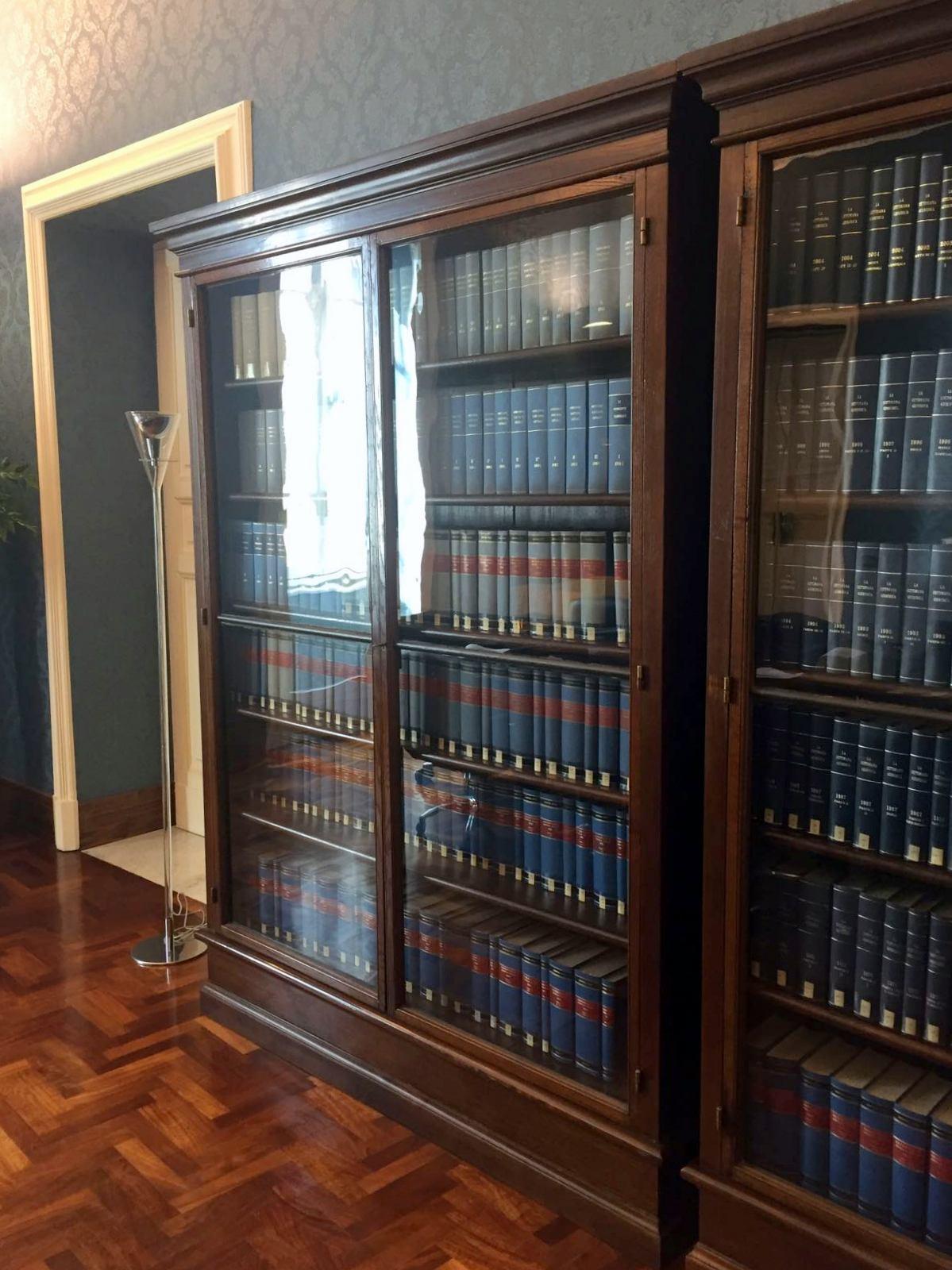 mobile libreria basso per studio roma