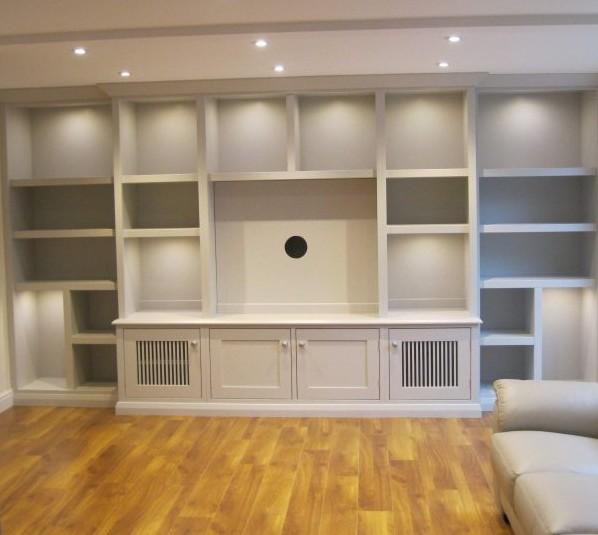 Librerie bianche con vano tv