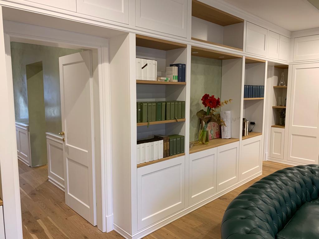 libreria a parete laccata
