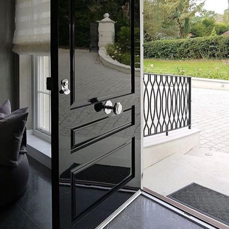 Porte laccate nero lucido Milano
