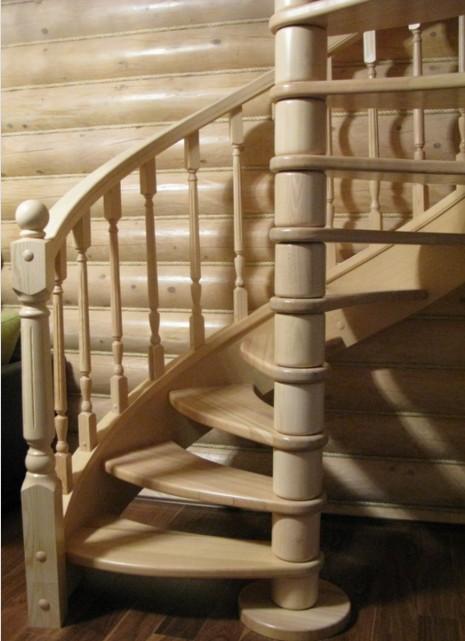 Scala in legno a chiocciola Roma ESCAPE='HTML'