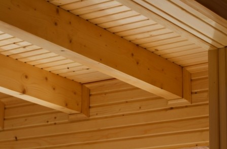 Soffitto in legno con travi Roma