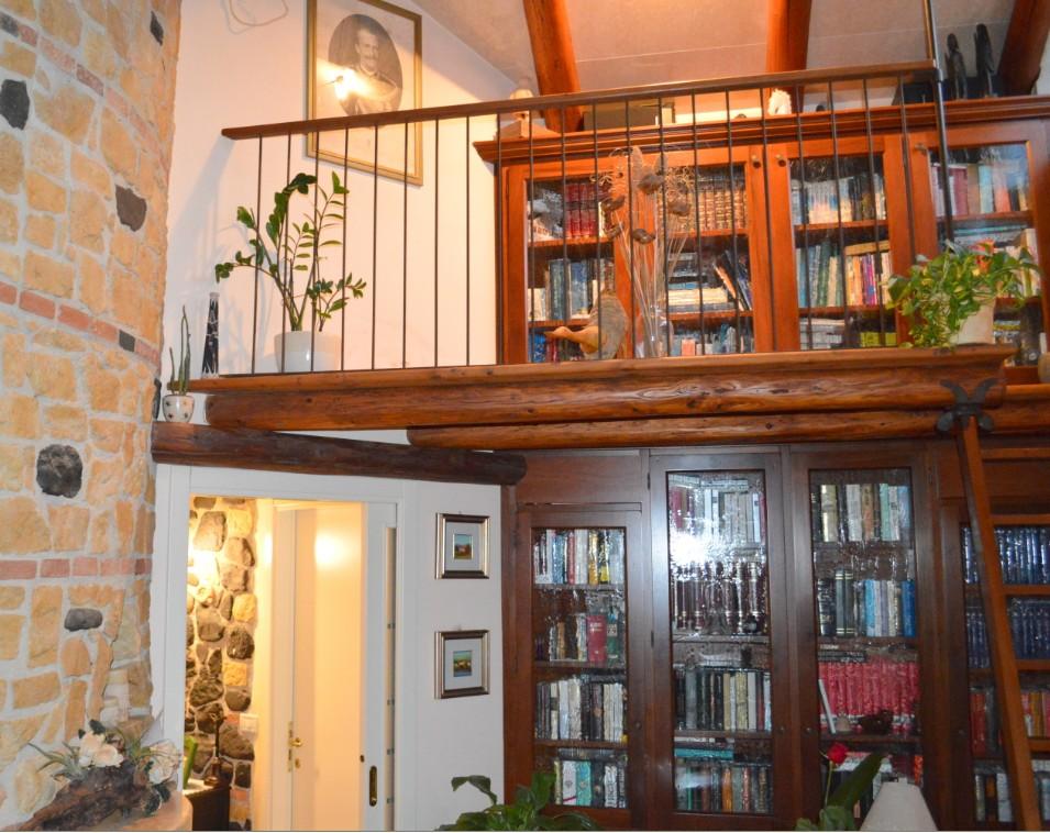 librerie su misura con soppalco
