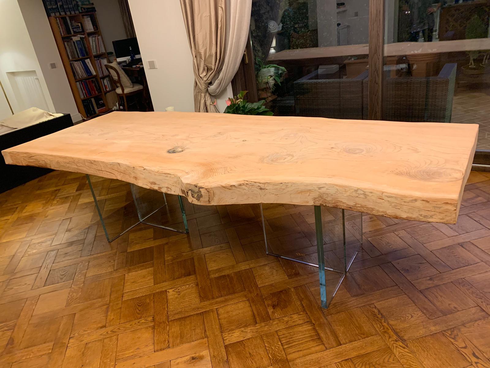 tavoli in legno con corteccia ESCAPE='HTML'