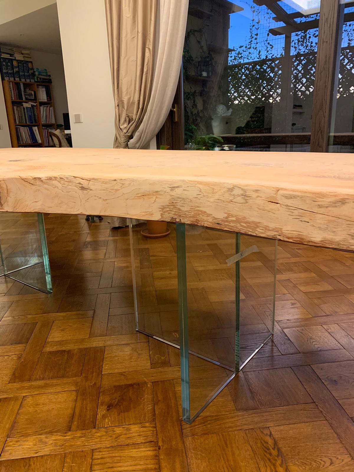 tavolo base legno scortecciato e base cristallo ESCAPE='HTML'